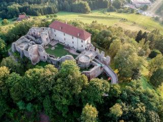 Замок Пецка