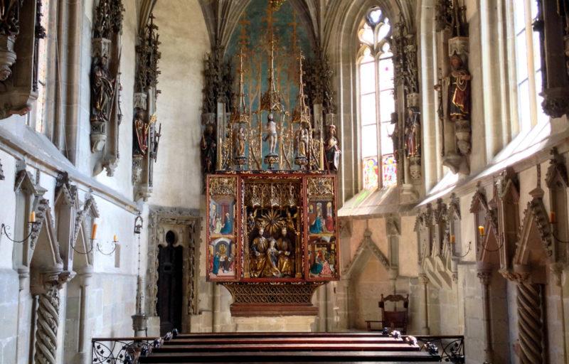 Резной алтарь XV века
