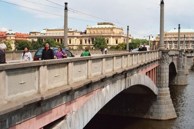 Мост Манеса