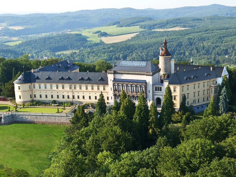 Замок Збирог с высоты