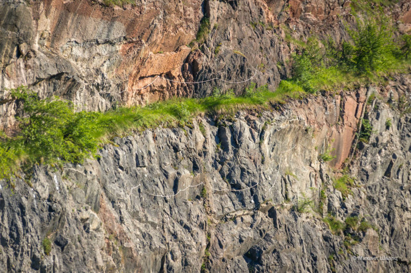 Опасные дорожки по скалам