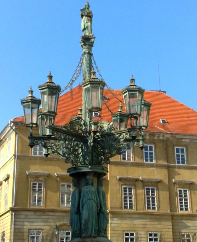 Газовый фонарь на Градчанской площади