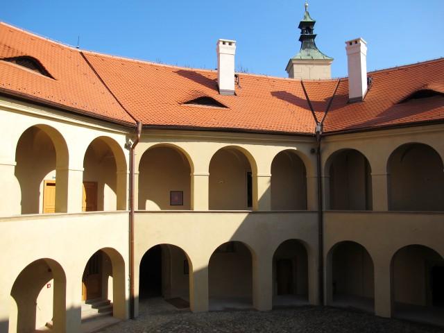 Ренессансные аркады во внутреннем дворе