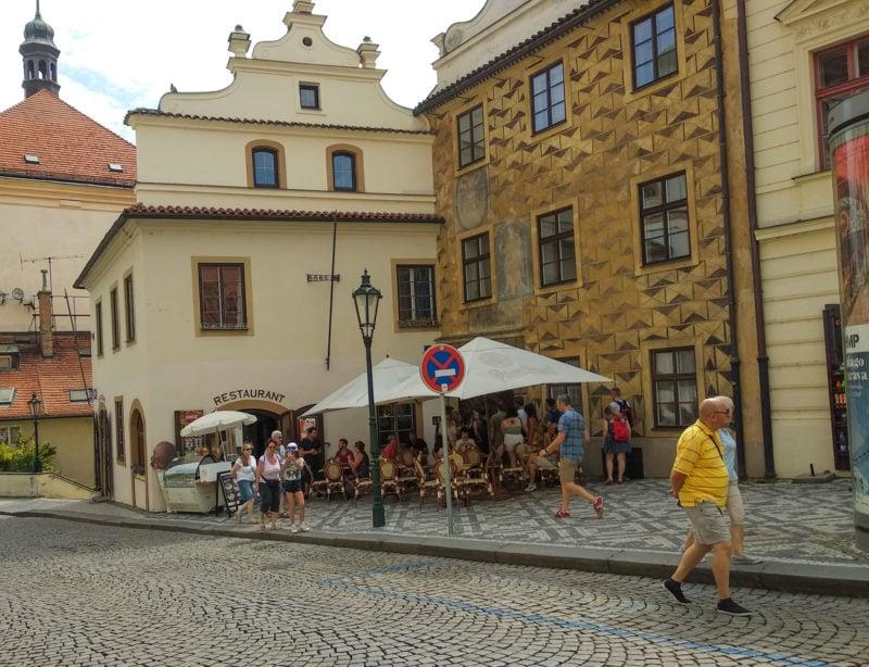Старая градчанская ратуша (Hradčanská radnice)