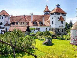 Замок Червены Уезд