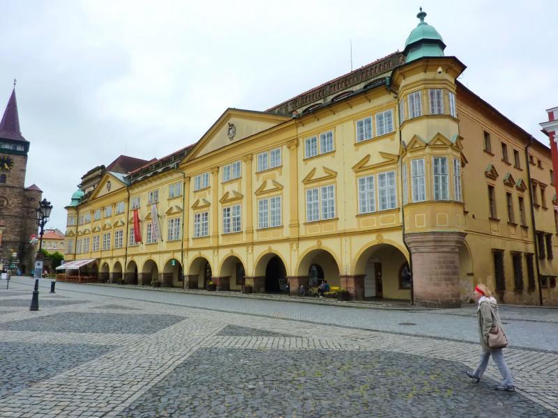 Замок на Вальдштейнской площади