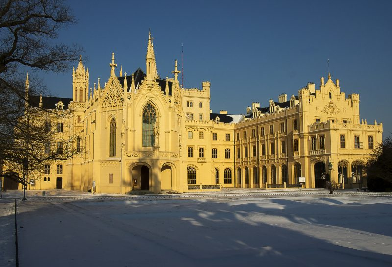 Замок Леднице зимой