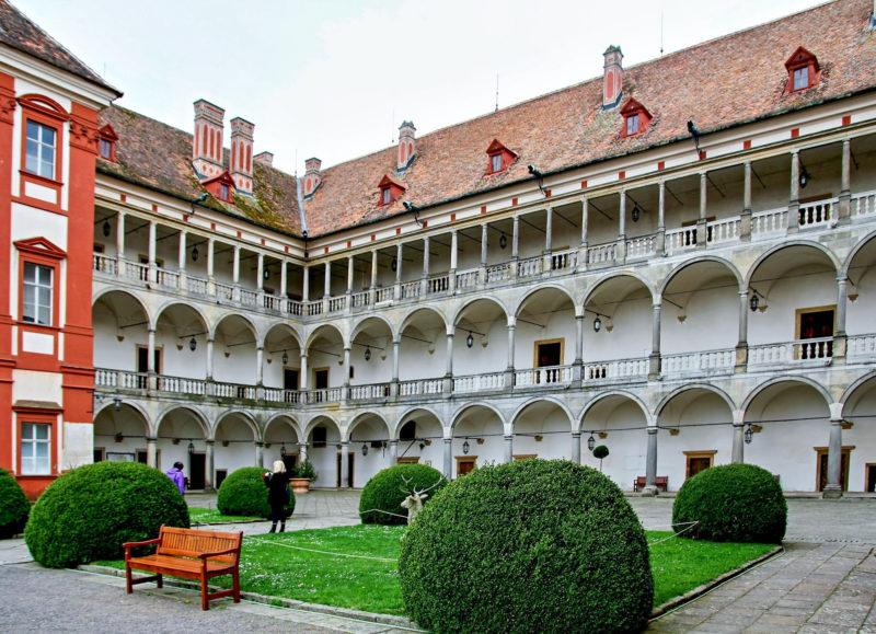 Опоченский замок (Opočenský zámek)