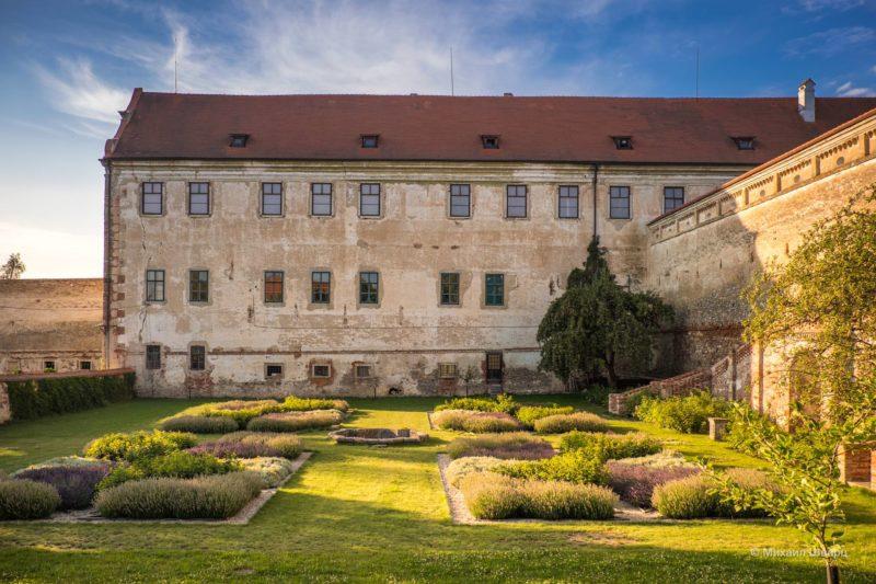 Замок Ухерчице