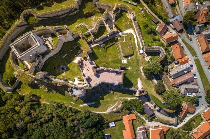 Замок Раби сверху