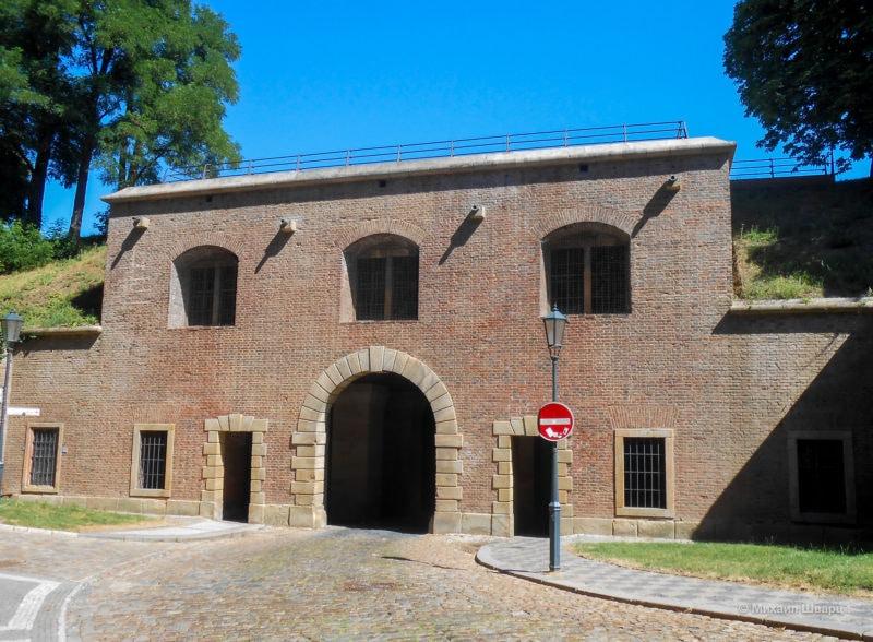 Кирпичные ворота (Cihelná brána)