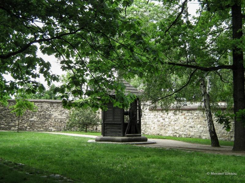 Средневековый колодец (Středověká studna)