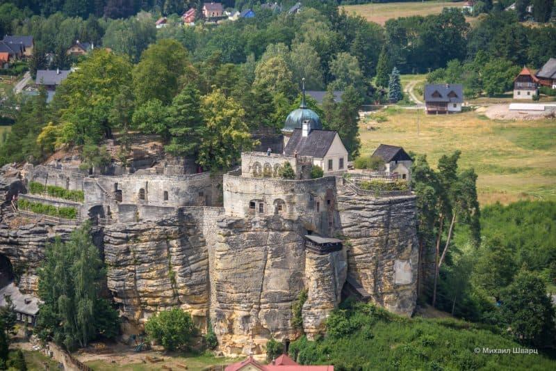 Замок на скале Камень Отшельника
