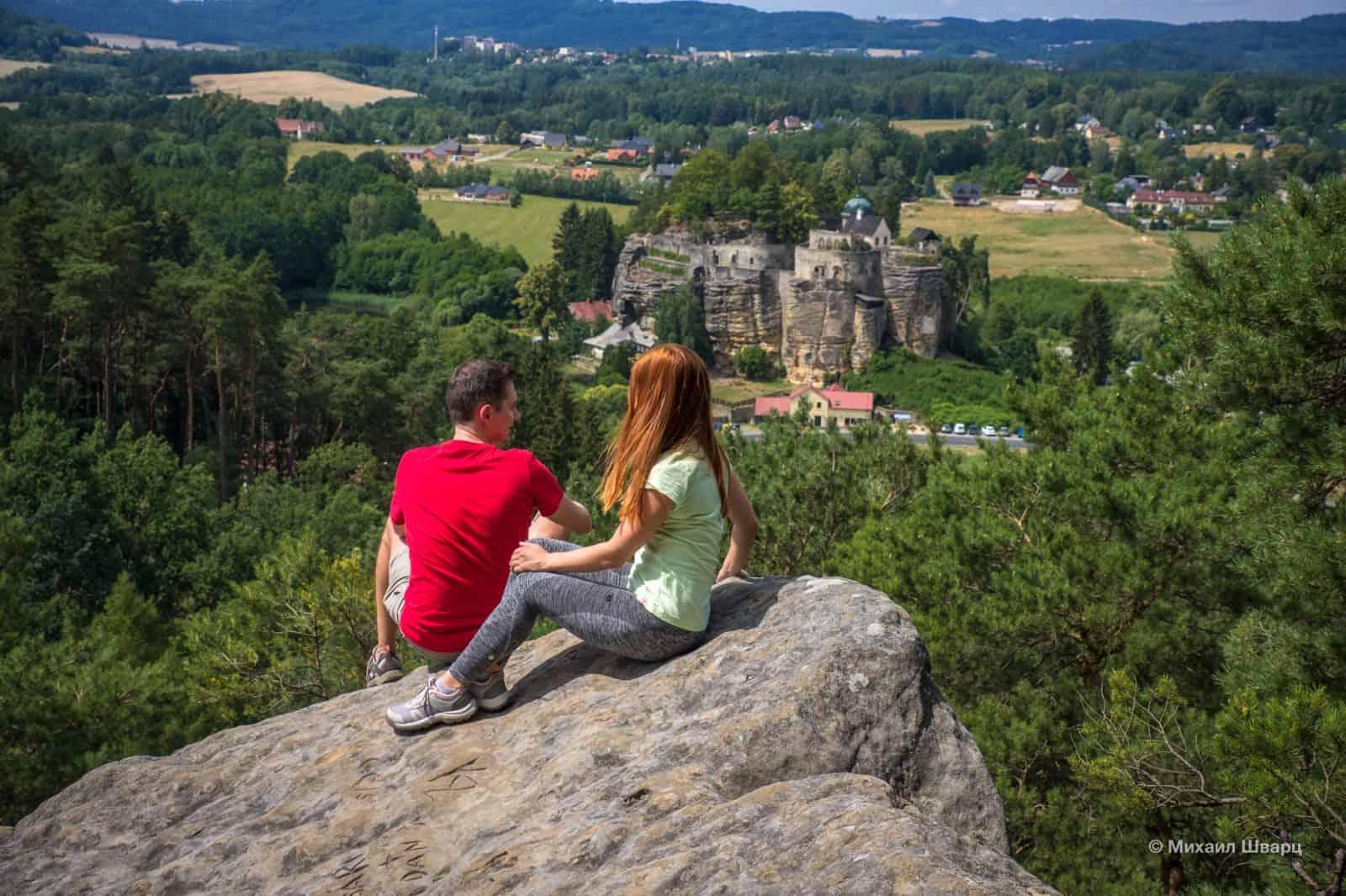 Красивая панорама со смотровой площадки напротив замка