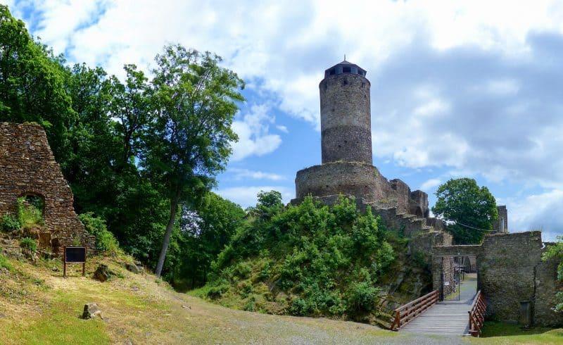 Замок Гасиштейн (Hrad Hasištejn)