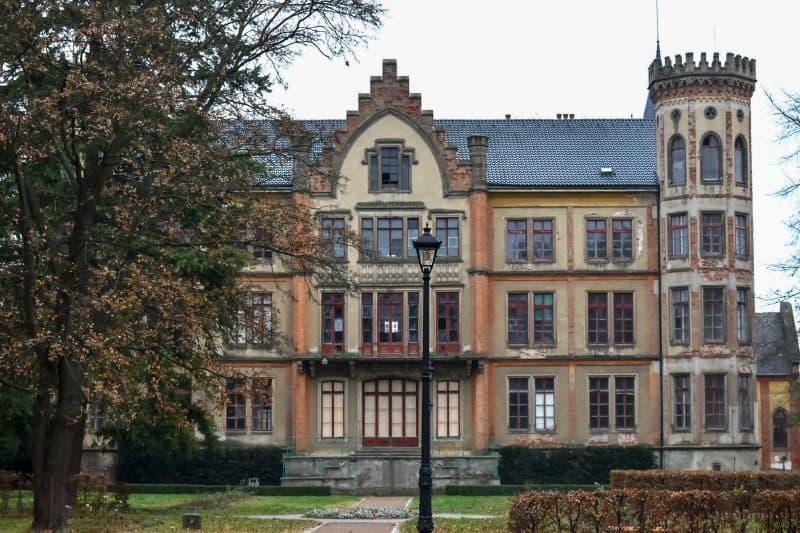 Замок Бзенец (Zámek Bzenec)
