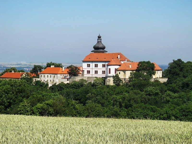 Замок Нови Град (Zámek Nový Hrad)